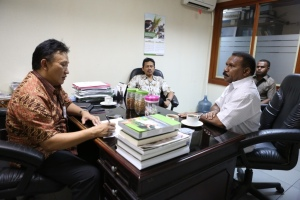 Diskusi kasus gizi buruk bersama Bupati Kab. Tambrauw